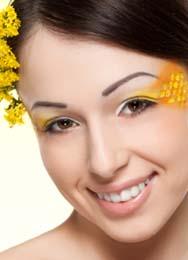 woman wearing honey lip balm