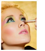 The new trend in spring makeup are eyes that sizzle with shimmery color. Get the look with these spring makeup tips: