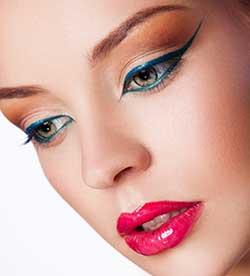 blue eyeliner design